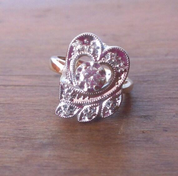 SALE!! Vintage 14 Karat Yellow Gold Heart Ring wit