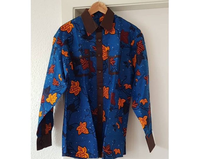 M, L. Dress shirt african print. Long sleeves. Very elegant urban style. Wax fabric. Ankara. Cotton. Unique. Handmade.