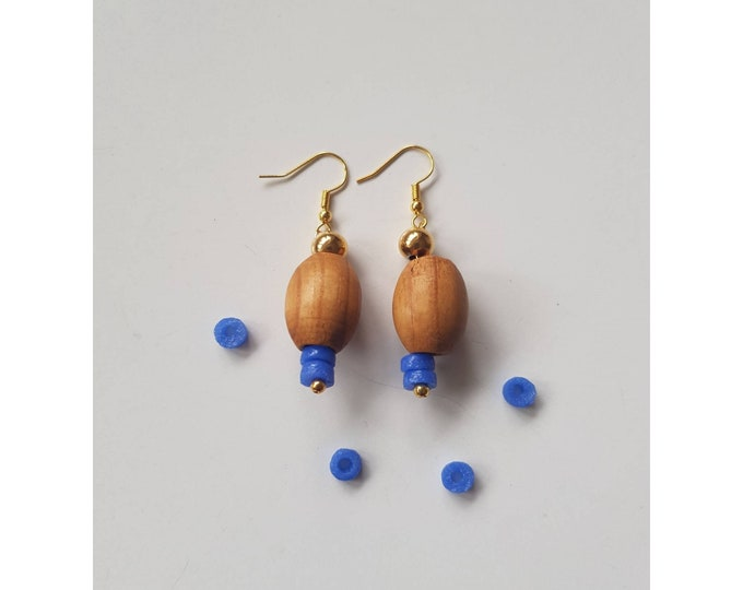 Gold filled earrings. Recycled jewelry. Ghana, Africa. Wood beads. Beads jewelry. Handmade in Denmark. Sustainable fashion. Ethical jewelry.