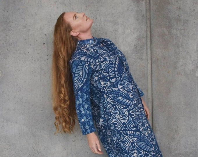 XS, S, M, XL, 2XL. Organic cotton shirtdress. Handmade dress. Coconut buttons. Sustainable authentic batik. 100% cotton. Made in Africa.