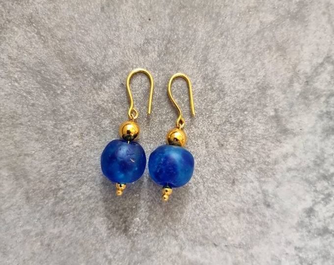 Gold filled on silver. Recycled glass beads from Ghana Jewelry handmade in Denmark. Sustainable fashion. Boho earrings. Blue earrings.