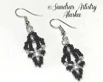 Beaded Earrings in Black-Silver