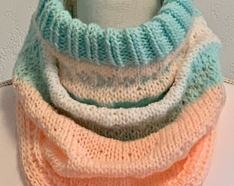 Tri-Color Cowl Turtleneck (Light Weight in Aqua-White-Peach)