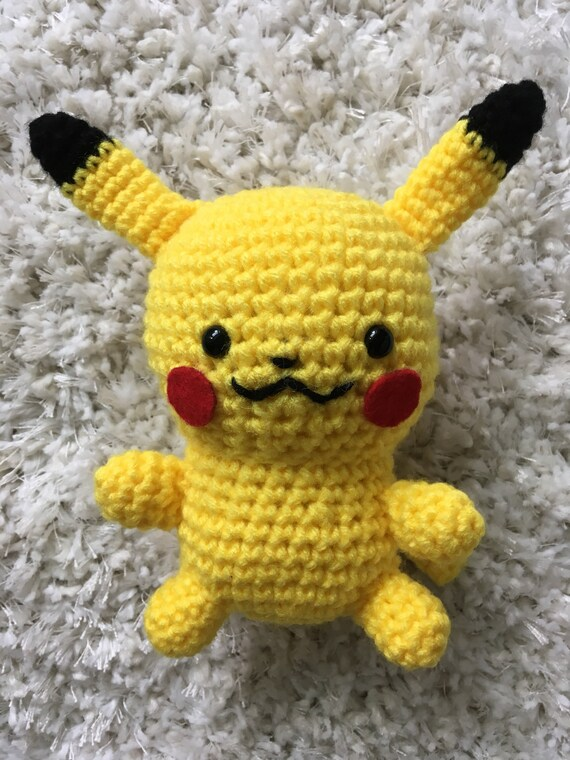 Pikachu and Pokeball Pod pattern - Ami Amour | 760x570