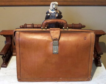 Etsy BDay SaleHartmann Natural Tan Belting Leather Lawyer Executive Gladstone Style Briefcase Attache- Slightly Distressed Condition