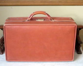 Dads Grads Sale Hartmann Belting Leather Carry On Suitcase With Brass Hardware - VGC