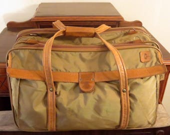 Dads Grads Sale Hartmann Quadruple Compartment Fisherman's Packcloth  Belting Leather Carry On Suitcase Travel Bag - GUC - Missing Strap