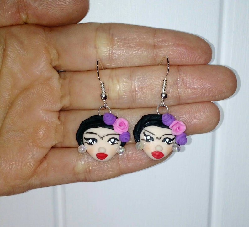 mejor servicio 7c559 4681d Earrings Frida Kahlo cold porcelain / Aretes Frida Kahlo porcelana fria