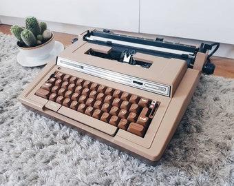 Smith Corona Electric S-301 Vintage Writing Machine typewriter- 80s.