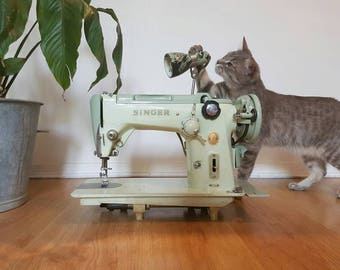 Singer Sewing Machine 319k - Original Gift / Collection