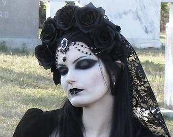Gothic Wedding Veil / Mourning Veil Black Rose Headdress / Black Rose Crown Gothic Veil / Halloween ~ READY TO SHIP