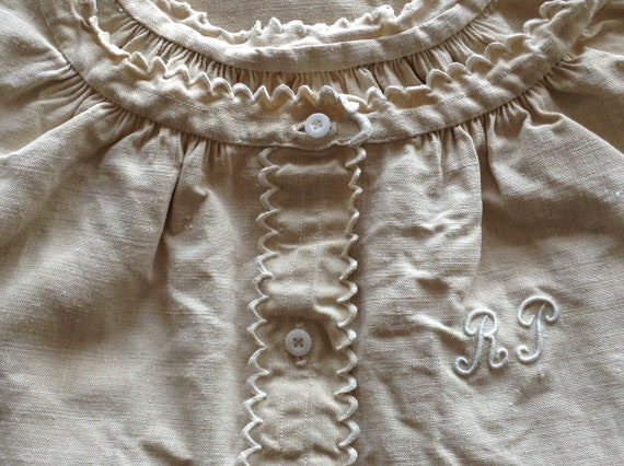 Lovely antique vintage French linen  night dressin