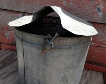 Vintage sap bucket, galvanized sap bucket, galvanized planter, large flower pot, rustic flower pot, maple sap bucket, farmhouse decor