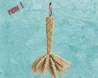 Wall Hanging - Corn Dolly - Straw - wheat weaving - Glory Braid