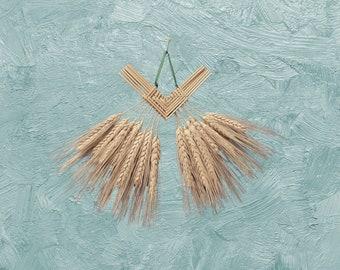 Wall Hanging - Corn Dolly - Wheat Weaving - Corazon de Trigo - bearded straw