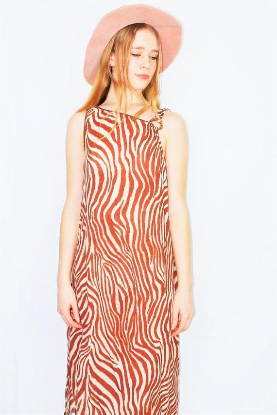 Size ML Vintage 70s Black and White Zebra Stripe Dress
