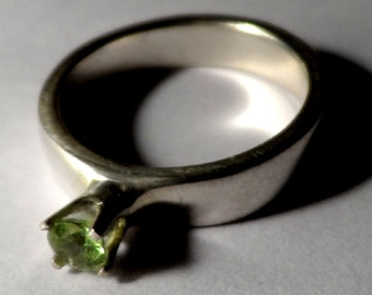Peridot & Sterling Silver Ring - 4mm Band - 3.5mm Grade AA Peridot Gemstone - Polished - August Birthstone - Engagement - Wedding