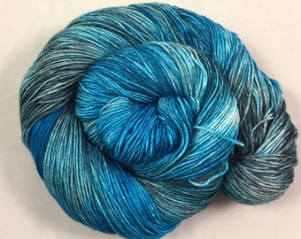 hand dyed sock yarn, colorway FELIX, superwash merino wool and nylon, fingering weight