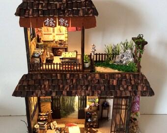Simon j. miniature roombox entertainment house