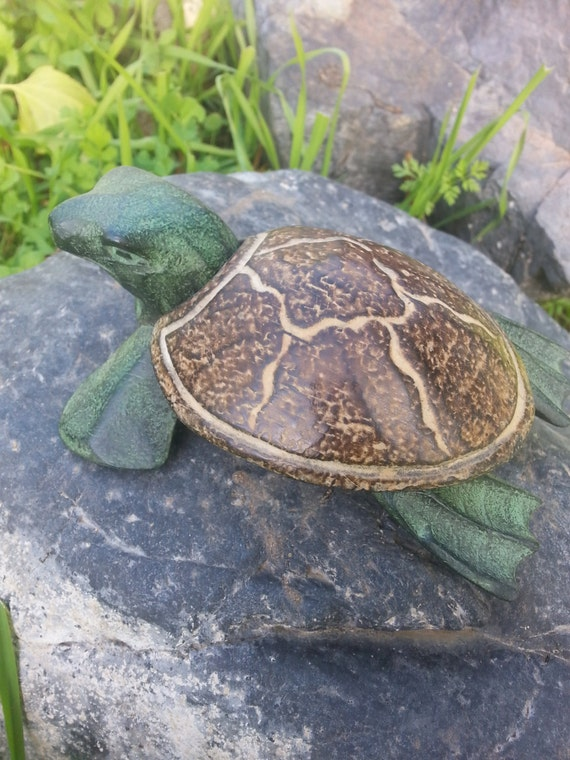 SALE!!! Turtle Box* Small Box* Jewelry Box* Ring holder* Turtle* Wood* Crystals* Animal* Handmade* Vintage Box