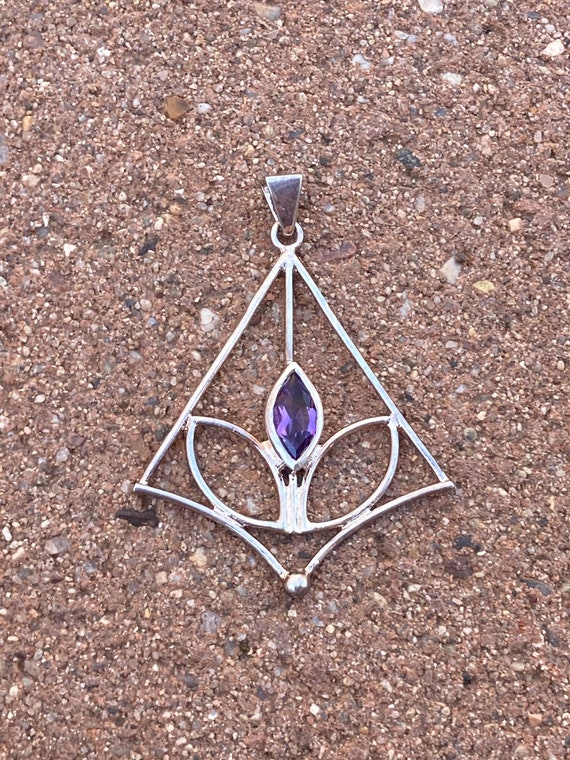 Amethyst Crystal necklace pendant, Sterling Silver plated, Amethyst Jewelry, Purple, Gift, Birthstone, Pyramid Necklace, Silver
