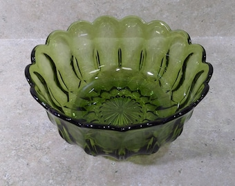 Anchor Hocking Fairfield Avocado Olive Green Glass Serving Fruit Centerpiece Bowl 8 3/4 Inch Diameter