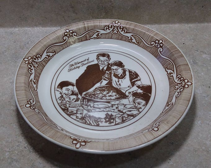 Vintage Norman Rockwell Stoneware Ceramic Pie Plate ~ Freedom From Want ~ 1983 Christmas Club ~ Made In USA, Easton Pa.