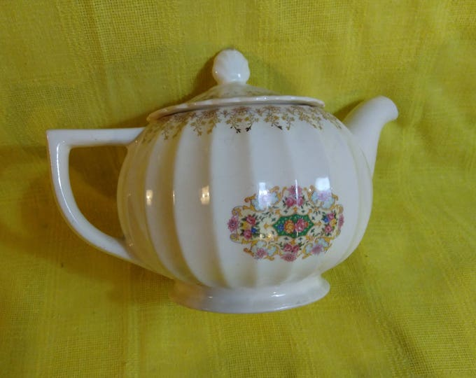 RARE Sebring Melody Pattern Fluted Trojan Floral Motif Tudor Gold Ornate Trimming Tea Pot Ohio USA Rare Unmarked 1940's