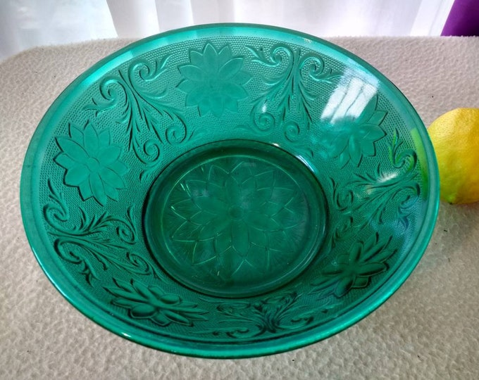 Indiana Glass Tiara Spruce Dark Green Vegetable Serving Bowl Flower and Scroll 8 Inch