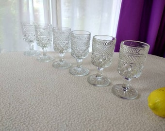 Anchor Hocking Wexford Claret Cordials 5 1/2  Inch Footed Glasses Formal Dining Entertaining Mad Men Cordial Stemware Barware