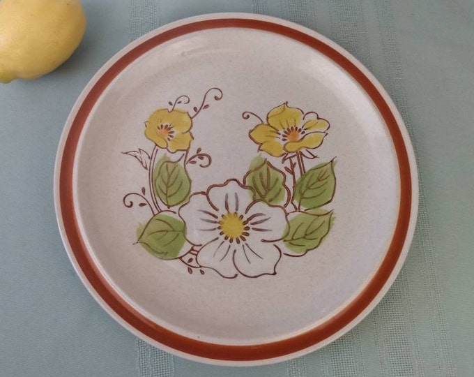 Forma Stone Dinner Plate Stoneware Ceramic Yellow White Flowers Green Leaves Rust Border On Speckled Beige Retro Japan Dinnerware
