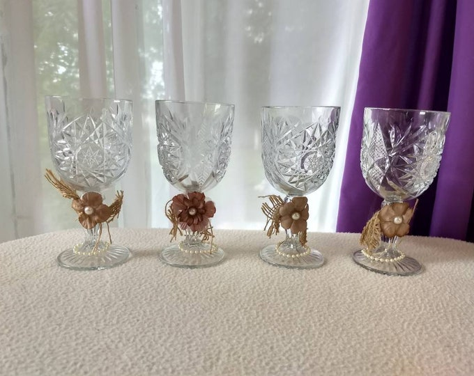Set of 4 Libbey Hobstar Ornamented Wine Goblets Pinwheel Pattern EAPG Colonial Style Mid Century Wine Goblets