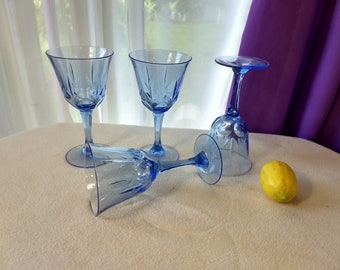 Set Of 4 Vintage Avon Fostoria American Blue Classic Water Goblets Wine Glasses Clear Sky Blue Stemware Country Cottage