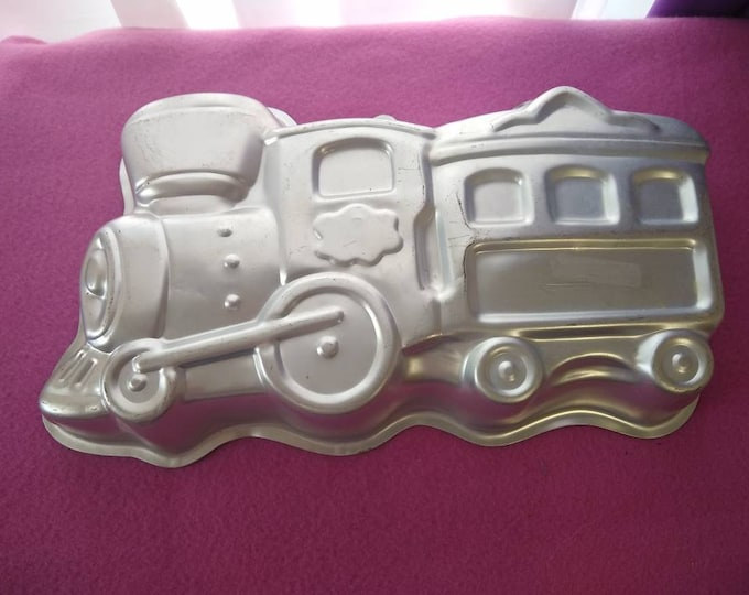 Train Cake Mold 2105 6500 Choo Choo Train Toddler Birthday Thomas The Train