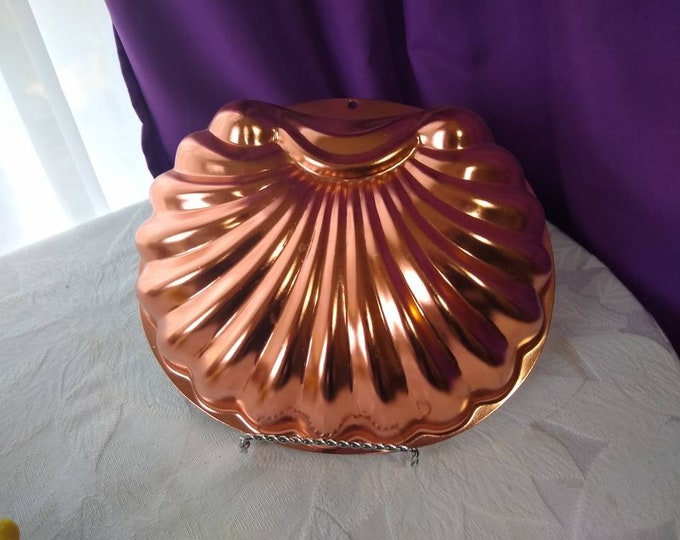 Vintage Large Shell Jello Mold Copper Tone Wall Decor Retro Kitchen Seashell Cake Beach Nautical Beach House Sea
