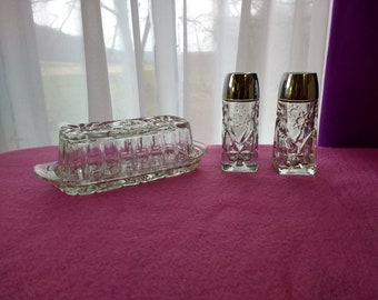 Anchor Hocking Prescut Star Of David Salt And Pepper Shakers With Butter Dish Glass Chrystal Cut Pattern Vintage Silver Tone Plastic Lids