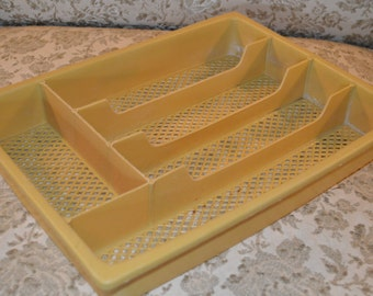 Plastic Harvest Mustard Yellow Utensil Organizer Divider Flatware Silverware Cutlery Drawer Sorter Tray ~ Retro Vintage Kitchen