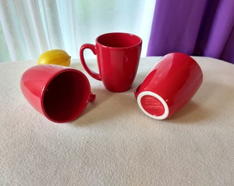 Set Of 3 Corelle Coordinates Solid  Bright Red Ceramic Stoneware Coffee Cup Mugs Thailand Embossed Bottom Corning