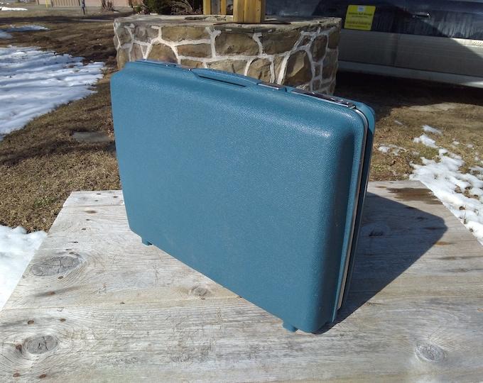 Samsonite Vintage Retro Blue Hard Plastic Suitcase Royal Traveler 24 X 7 X 18 Inches 60's 70s Mad Men Overnight Luggage For One