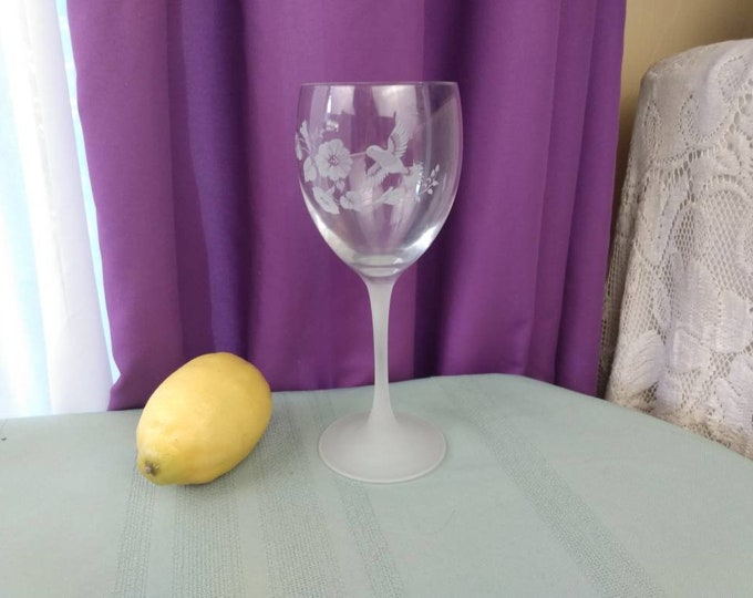 Libbey Avon Etched Hummingbird 24% Lead Crystal Wine Water Goblet Glass Frosted Stem Retro 80's Stemware