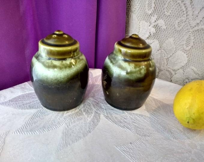 Pfaltzgraff Copper Green Salt And Pepper Retro 1970's Man Cave Stoneware Drip Grazed Ceramic Shakers