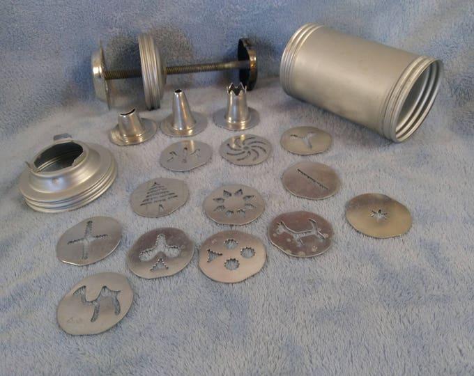 Vintage Metal Piping Gun Baking Icing Bag  Dispenser Cookie Baker Cake Decorator Piping Supply Nice Professional Tube
