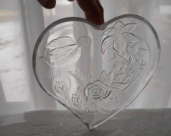 Hummingbird Heart Shaped Plates Retro 70's Embossed Bird Lilly & Rose Flower Snack Plates Valentine Indonesia Romantic Shabby Chic Set Of 5