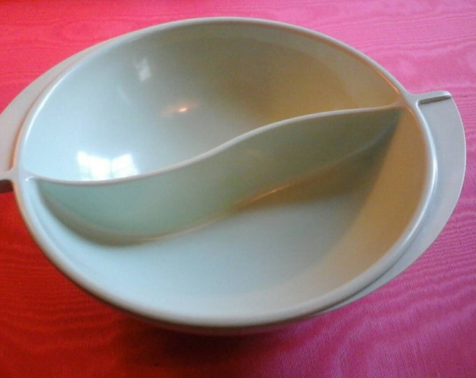 Boonton Plastic Divided  Sea Foam Jadeite Green Serving Bowl Mid Century Atomic Space Age Vintage