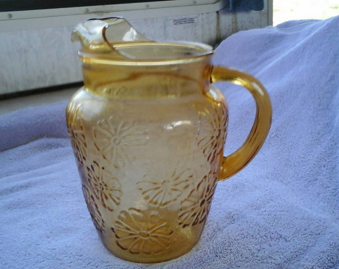 Anchor Hocking Honey Gold Spring Song Daisy Design Amber Lemonade Water Pitcher With Ice Lip Vintage 1960's Heavy Glass
