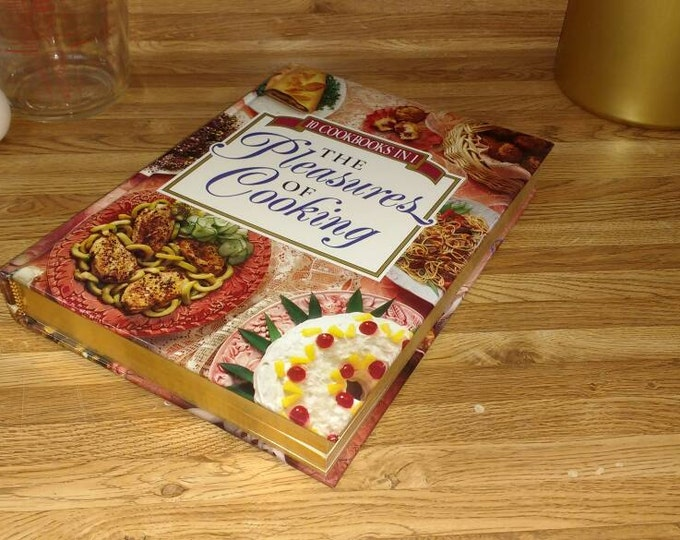 The Pleasures Of Cooking ~ 10 Cookbooks In 1 ~ 1993 Vintage ~ Publications International Vintage Cook Books Grande's Treasures