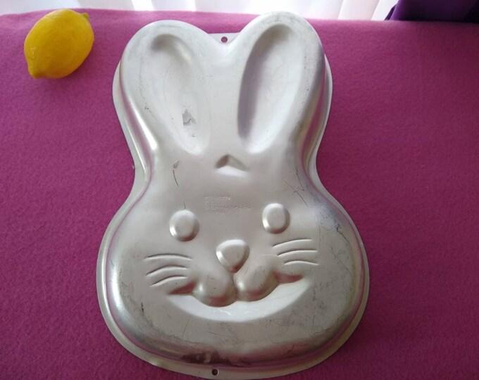 Easter Bunny Cake Pan Wilton Cake Molds 2105-2074
