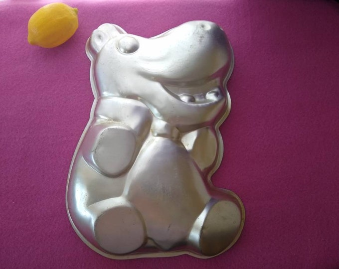 Wilton Happy Hippo Hippopotamus Cake Pan RARE Collectible Cake Pan 1974 502-712 Birthday Cake Mix Bakery Supplies Do It Yourself Cake