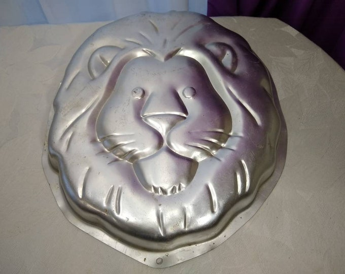 Lion Cake Pan Wilton Aluminum Lion King Cake Mold 1995 # 2015-2095 ~ Leo Zodiac Birthday Child's Birthday Bakery Supplies Decorating Jungle