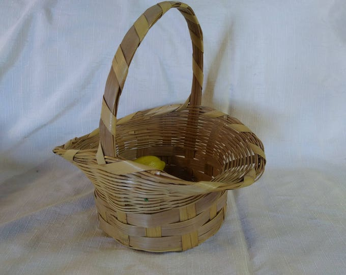 Handmade Natural Wicker Flower Girl Basket Country Cottage Trumpeted Rim Easter Craft Centerpiece English Shabby Chic